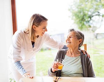 Vaisselle pour CHSLD / centre d'hébergement de soins longue durée (produits commercial - Ergogrip)